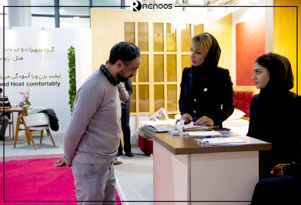بازدید کننده غرفه رنوس در نمایشگاه بهمن 1398 در سومین نمایشگاه بین المللی تجهیزات هتل تهران